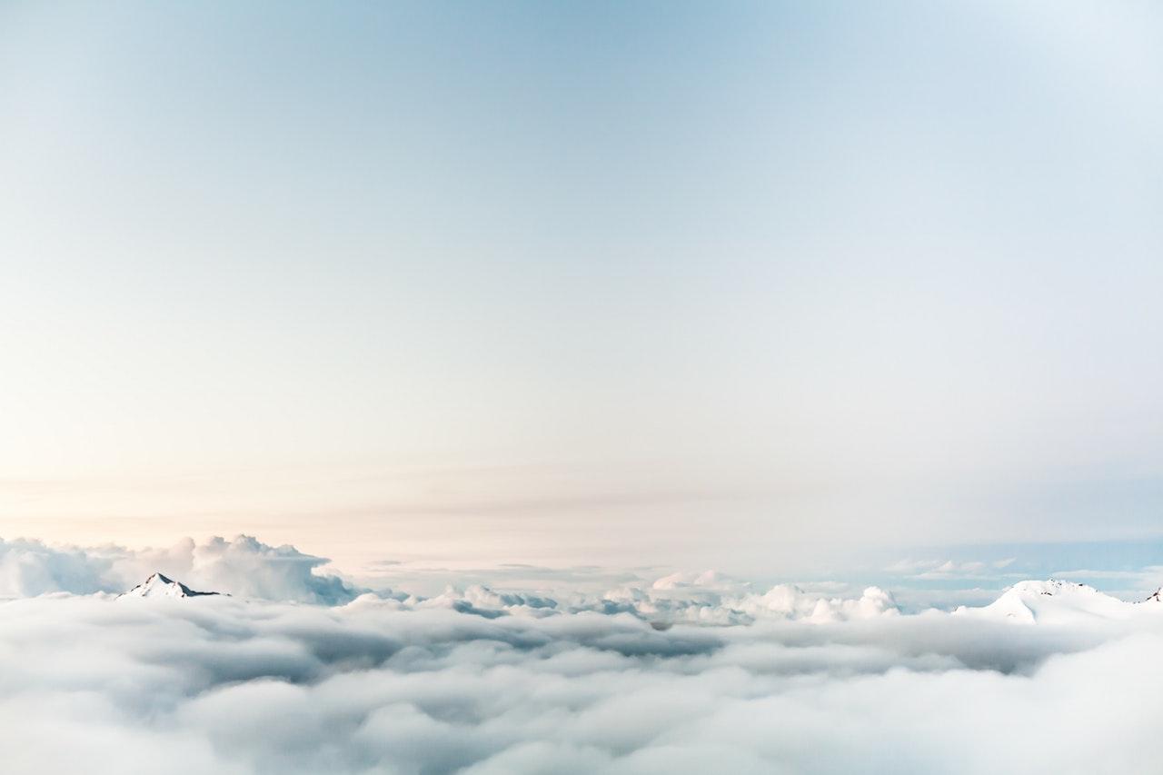 Vue au dessus des nuages