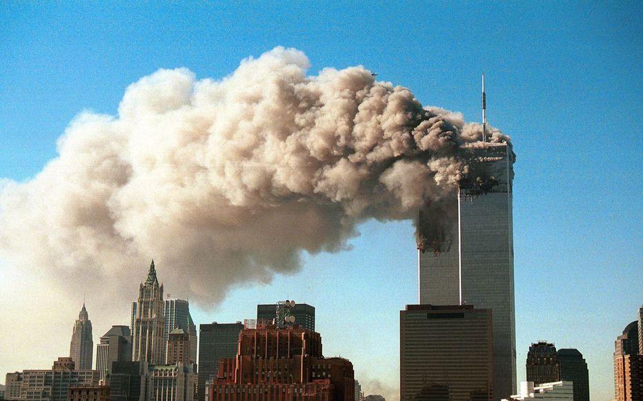 Photo de l'attentat du 11 septembre 2001 des deux tours jumelles du World Trade Center